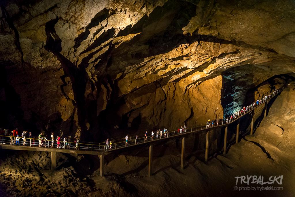 Jaskinia Nowoatońska w Abchazji... Cóż, nigdy wcześniej nie widziałem czegoś takiego. Byłem zaskoczony, totalnie.  Sufit na 70 metrach, ogromne przestrzenie, przytłaczające.