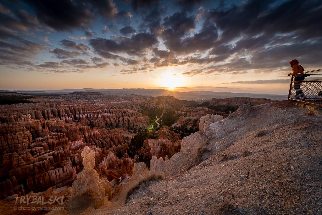 Całkowite przeciwieństwo Wielkiego Kanionu - Bryce Canyon - cisza, spokój, zero ludzi, albo kilka osób. Wschód słońca, zimno, ale równocześnie pięknie. Przyroda USA oszałamia, poważnie.