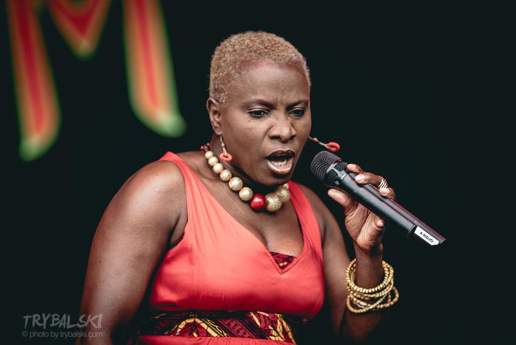 Angelique Kidjo (Benin)