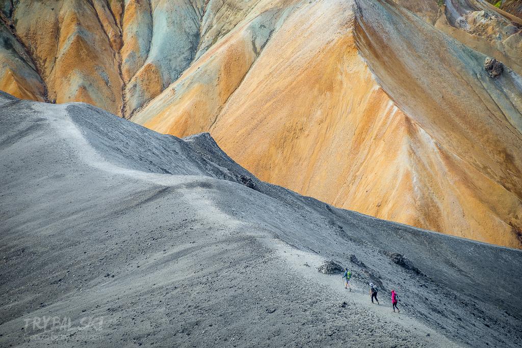 Landmannalaugar, słynne żółto - szare, wulkaniczne wzgórza. Trekkingowa mekka.
