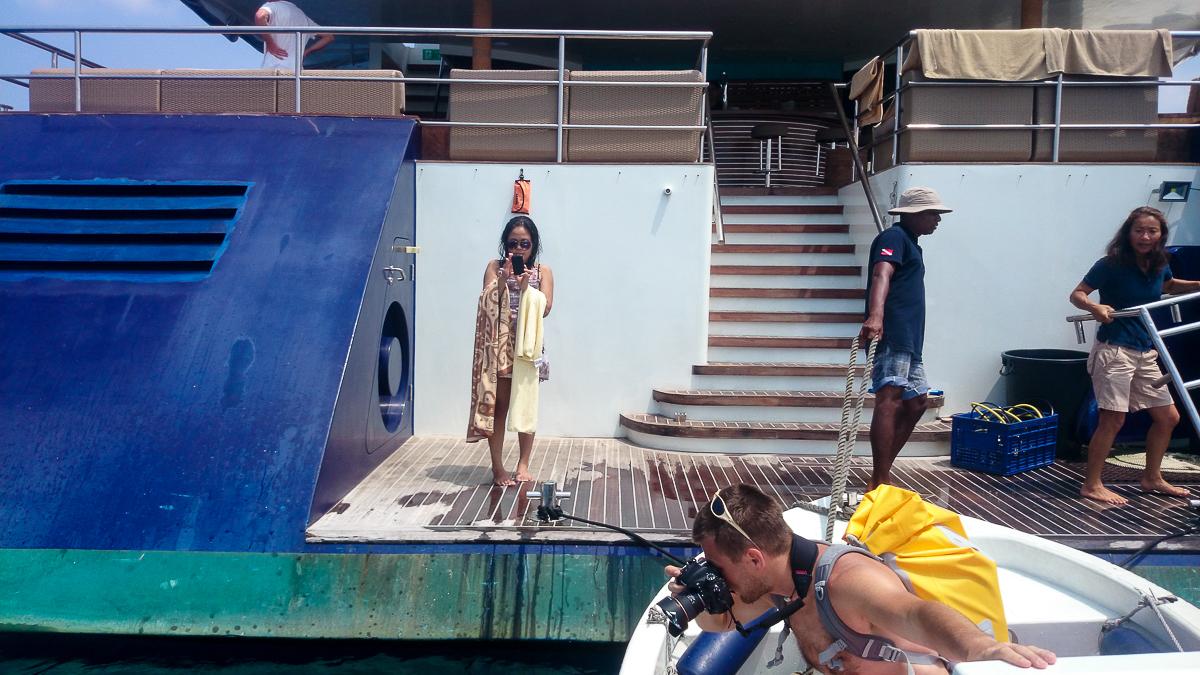 Gdyby się zdarzyło wpaść do wody - ratować musiałbym tylko to co w ręce. To co na plecach - bezpieczne. Fot. Iraaf Lycans