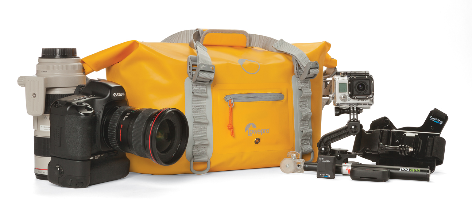 Na górze od lewej: plecak DryZone BP 40L  i torba DryZone DF 20L