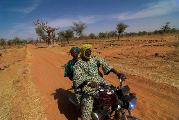 Mali, w drodze do Kraju Dogonów